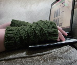 Green Grating Mitts