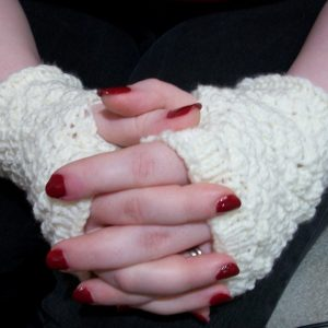Clove in Cream Mitts