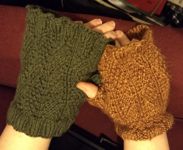 Ribbed Leaf Mitts in two sizes - large on the left, medium on the right.
